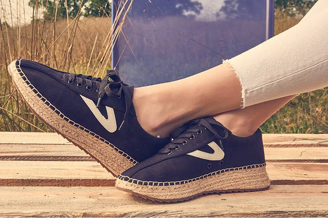 Espadrilles with an edge